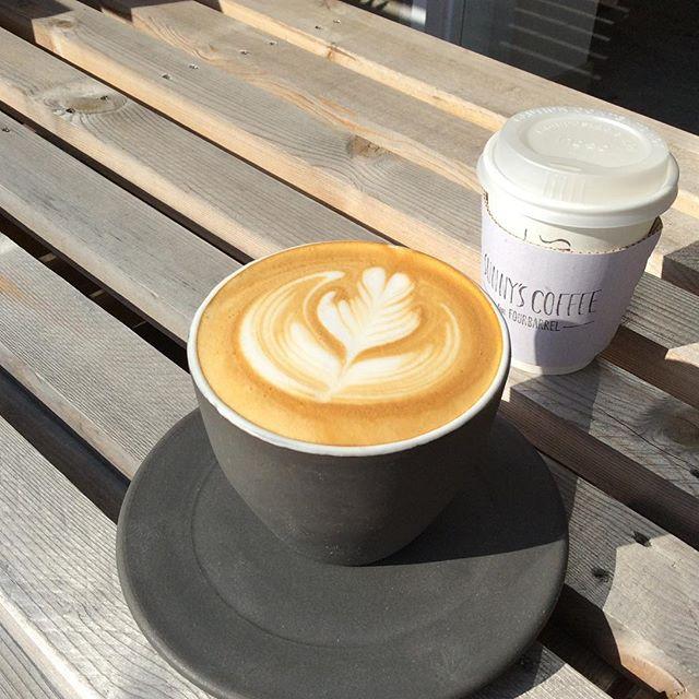 おはようございます!ひんやりと肌寒い季節に温かいラテはいかがですか。テイクアウトもできますので是非お越しくださいませ!#coffee #latte #latteart #sunnyscoffee #栃木 #lunch #espresso